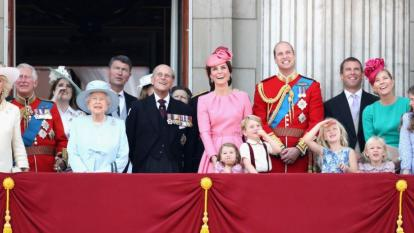 The royal family en masse on the balcony of Buckingham Palace.